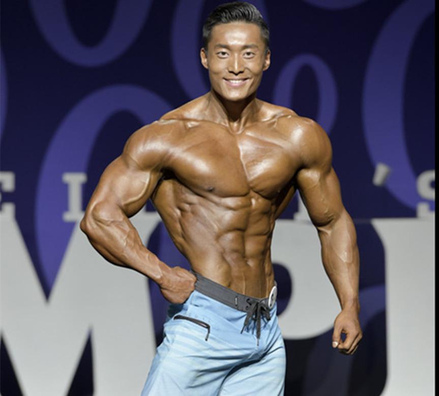颁奖_中国首位奥赛职业健体选手吴龙 – 健与美.CN